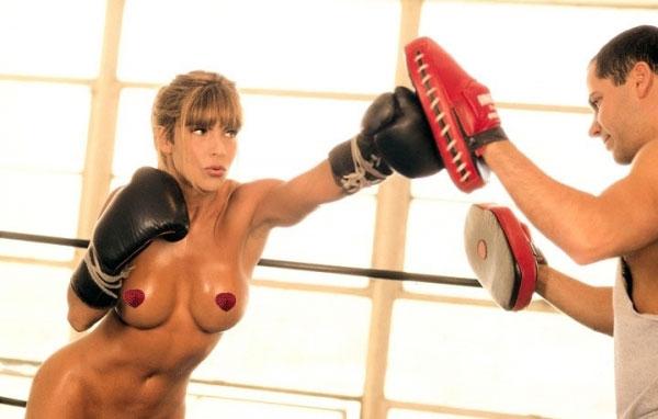 Девушки в боксера с голыми сиськами фото 65044 фотография