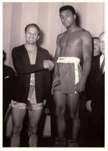 Muhammad Ali znany wtedy jako Cassius Clay po zdobyciu złota na Olimpiadzie