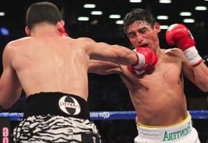 Danny Garcia demoluje Erika Moralesa!