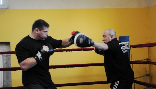 Gmitruk trenuje Gołotę (fot. DAMIAN BURZYKOWSKI / Newspix.pl)