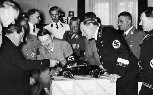 Ferdinand Porsche i Adolf Hitler