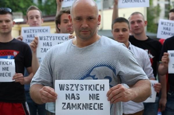 Kamil Bazelak- Wszystkich nas nie zamkniecie