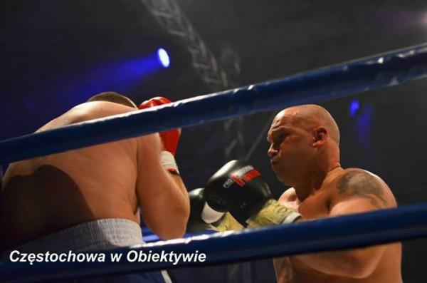 Kamil-Bazelak-atakuje-Adama-Koprowskiego