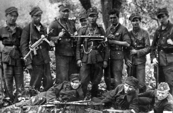 Armia-Krajowa.