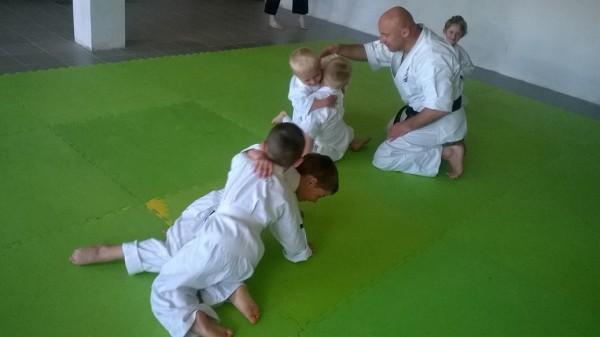 Egzaminy dla dzieci w Furo Karate prowadzone przez Jana Schneidera (7)