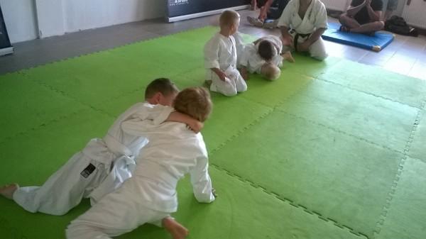 Egzaminy dla dzieci w Furo Karate prowadzone przez Jana Schneidera (8)