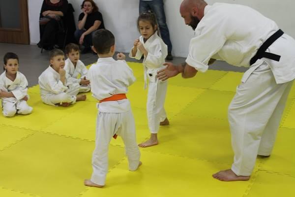 I Turniej Furo Karate w Andrespolu. Na zdjęciu sensei Robert Musierowicz, Dorian Błaszków i Zuzanna Wałoszek