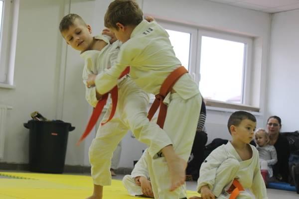 Karate w Andrespolu. Na zdjęciu Wiktor Klein, Adam Kominiak i Dorian Błaszków
