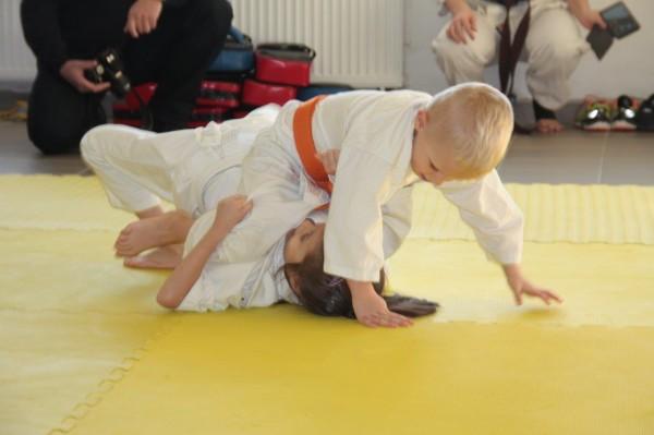 Zuzanna Wołoszek vs Janek Biały Furo Karate (5)