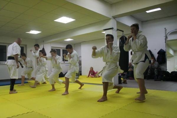 Egzaminy na pasy juiniorów do 16 lat Furo Karate w VTP Gym w Andrespolu (2)
