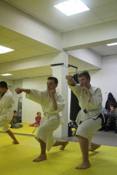Egzaminy na pasy juiniorów do 16 lat Furo Karate w VTP Gym w Andrespolu (3)