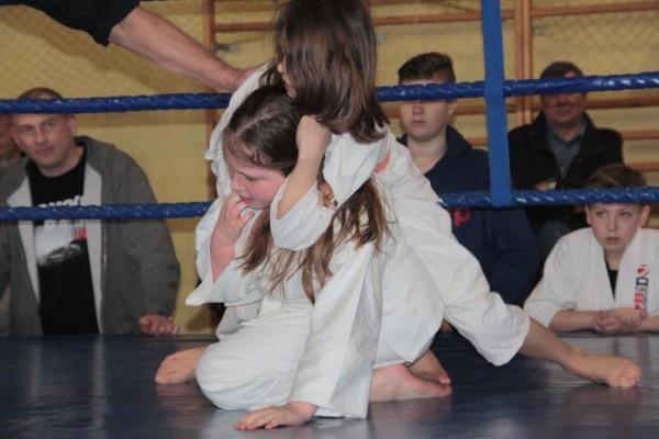 33.Puchar Polski Furo Karate 2016 Wiśniowa Góra Milena Kępka vs Zuzanna Bińczak
