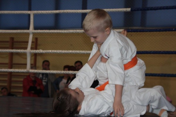 6.Puchar Polski Furo Karate 2016 Wiśniowa Góra Zuzanna Wałoszek vs Jan Biały