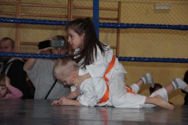 7.Puchar Polski Furo Karate 2016 Wiśniowa Góra Zuzanna Wałoszek vs Jan Biały